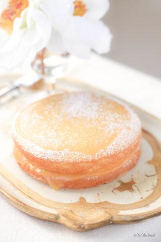 Victoria Sponge Cake with Lemon Curd #dessert #teatime #lemon